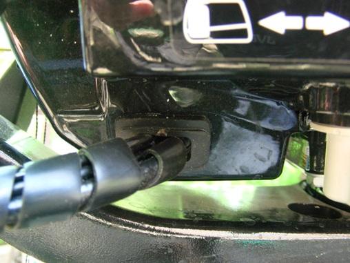 Установка тахометра ТТО на ПЛМ Suzuki DF4-6. Заплетание сигнального провода.
